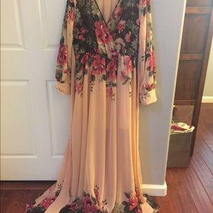 Dresses & Skirts - Flowery long dress